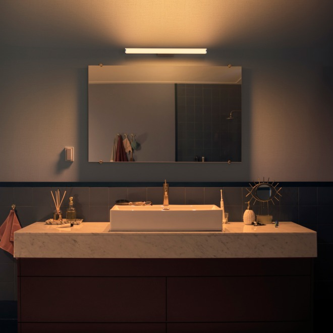 Philips Hue White Ambiance Adore LED-Wandleuchte 1050lm chrom, Dimmschalter