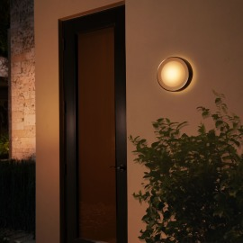 Philips Hue White and Color Ambiance LED-Wandleuchte Daylo schwarz