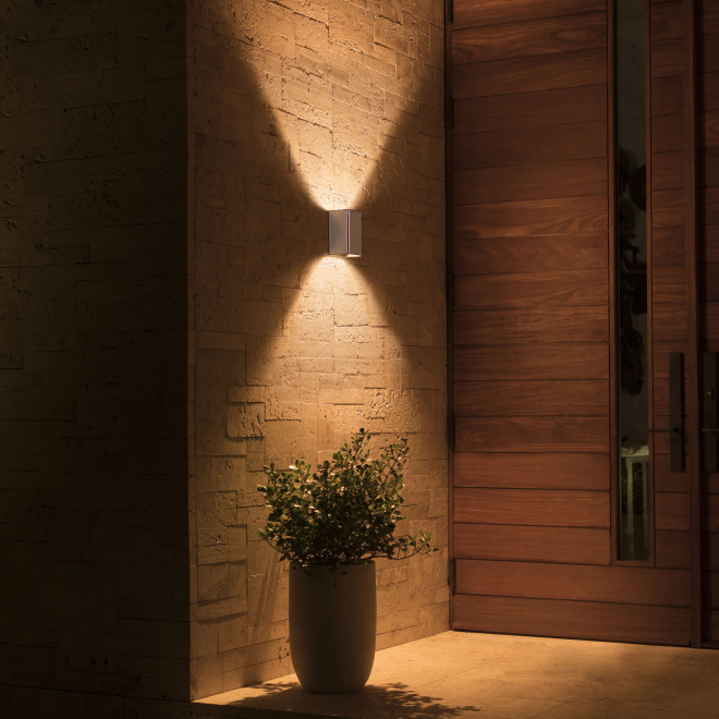 Philips Hue White and Color Ambiance LED-Wandleuchte Resonate 1200lm silber